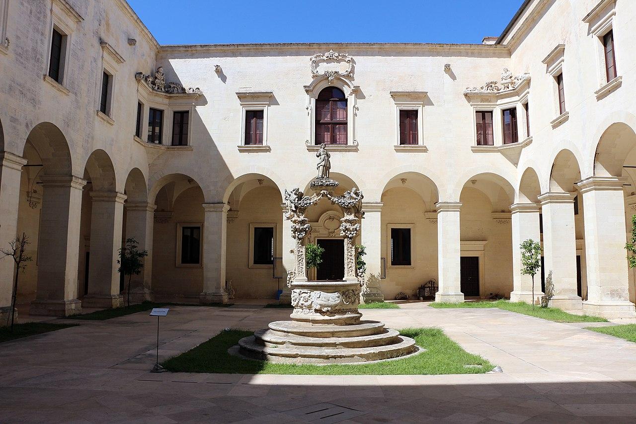 File lecce museo diocesano nel palazzo del seminario for Sauna del cortile chiavi