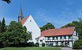 Leeden Stiftskirche Stiftshof 03.JPG
