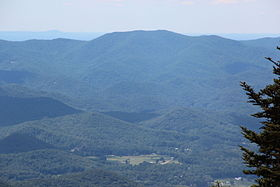 Levelland Mountain viewed from Brasstown Bald.JPG
