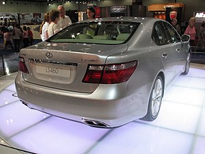 Lexus LS460 Rear at British International Motor Show 2006.jpg