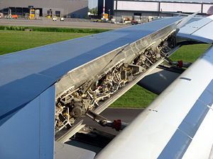 Spoiler (aeronautics) - A close look at the inner workings of spoilers in lift dump deployment during the landing of an Airbus A320.