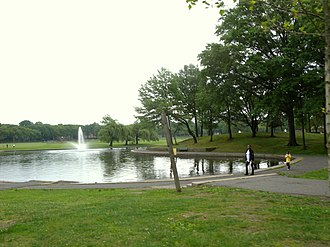 Lincoln Park (Jersey City) - Image: Lincoln Park lake JC jeh