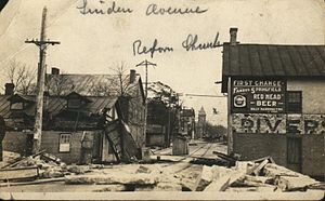 Great Dayton Flood - View of rubble on Linden Avenue after the 1913 flood