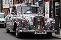 London taxi (6834021344).jpg