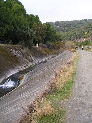 Los Gatos Creek (Santa Clara County, California) - Between Lexington Reservoir and downtown Los Gatos, the creek runs in a deep concrete culvert alongside the Los Gatos Creek Trail