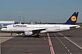 Lufthansa, D-AIQE, Airbus A320-211 (16456964455).jpg