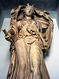 The statue of Selene