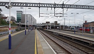 Luton railway station Railway station in the United Kingdom