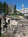 Lyon 1er - Amphithéatre des Trois Gaules, vue sur l'église du Bon Pasteur.jpg