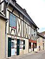 Maison à colombages, rue du moyen-âge.jpg