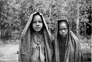 Malay women, Sumatra. The Malays, widely sprea...