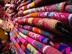 Mantas artesanales en la ciudad de Salta.jpg