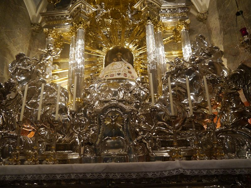 Mariazell Basilika Unserer Lieben Frau Innen Gnadenaltar 7.JPG