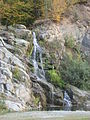Mastecký vodopád v barvách podzimu.jpg