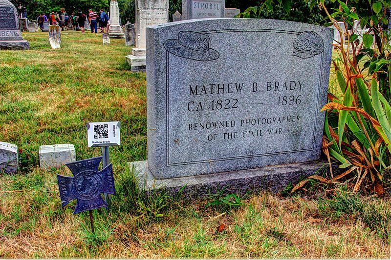 File:Mathew Brady's grave 1.jpg