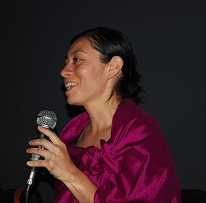 Miss Lupita project - Carolina Esparragoza speaking at the Memoria de un proyecto Miss Lupita event
