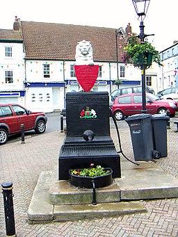 Memorial Pump - Caistor - geograph.org.uk - 41319