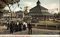 Merry Go Round Riverview Park Chicago 1906.JPG