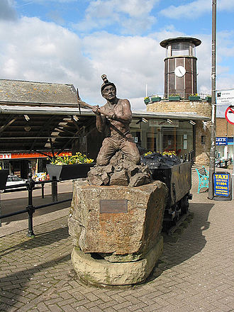 Cinderford - Image: Miners' Tribute by Antony Dufort geograph.org.uk 729497