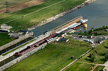 Mississippi River Lock number 27.jpg