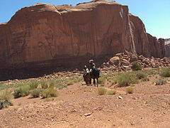 Monument Valley 2011 riders.JPG