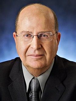 משה יעלון