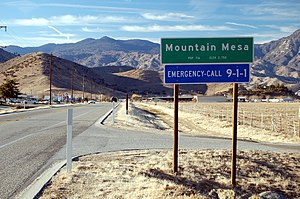 Mountain Mesa, California - CalTrans guide sign marking the eastern extent of town along SR178