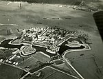 NIMH - 2155 043578 - Aerial photograph of Woudrichem, The Netherlands.jpg