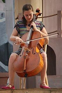 Natalie Haas American cellist