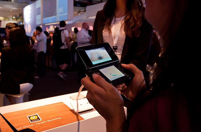 Nintendo 3DS Target Shooting demo at E3 2010.jpg