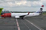 Norwegian (Helmer Hansen livery), LN-NIB, Boeing 737-86J (18426656941).jpg