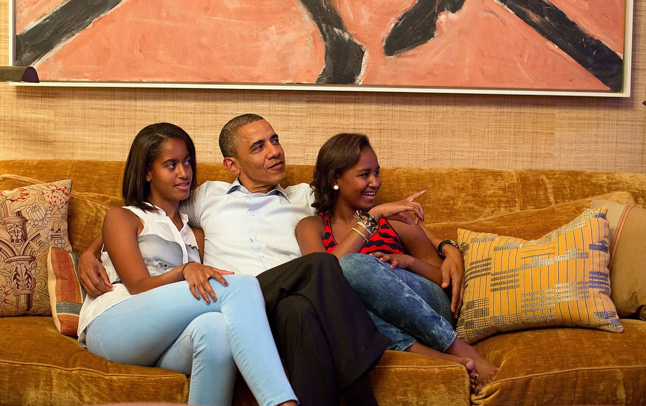 File:Obamas watch Michelle Obama speech jpg - Wikimedia Commons