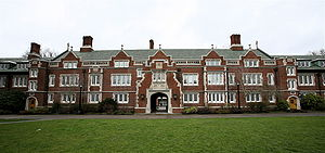 The Old Dorm Block on the campus of Reed College.