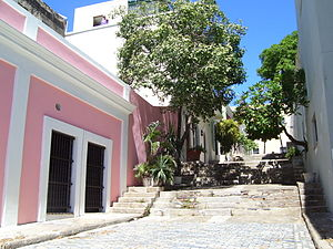 En mi Viejo San Juan - A street scene in Old San Juan, the subject of the song