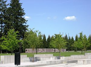 Oregon Korean War Memorial - Memorial in the background with Town Center Park in the foreground