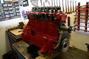 Volvo B18 engine - Image: Overhauled Volvo B 20 Engine Front
