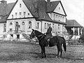 Płk dypl Stefan Kossecki na koniu.jpg