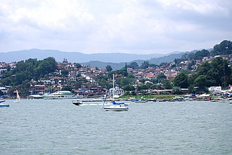Valle de Bravo - Panoramic of the town from the lake
