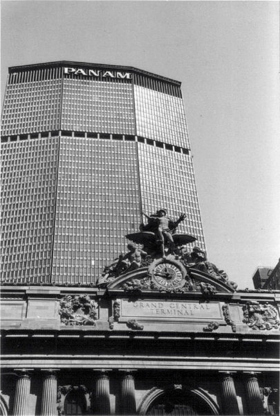 File:Pan Am Building, NYC, 1980s.jpg