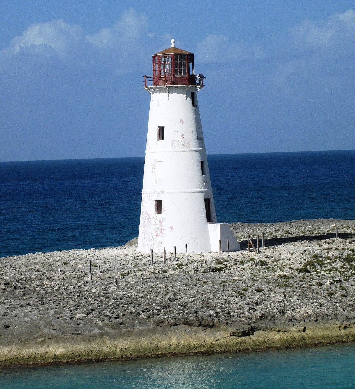 Paradise Island: Paradise Island Lighthouse