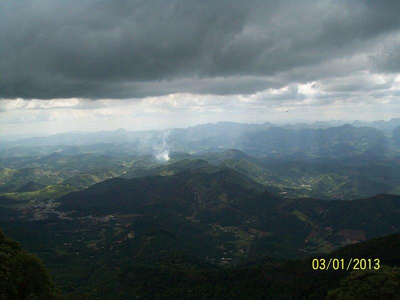 File:Parque Nacional do Caparaó MG-ES - Vista do Mirante - panoramio.jpg