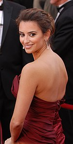 Penélope Cruz @ 2010 Academy Awards (cropped).jpg