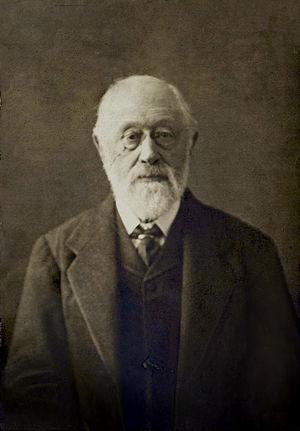 Philip Magnus - Magnus photographed in later life