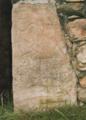 Piedra con dibujos prerromanos (Cármenes).png