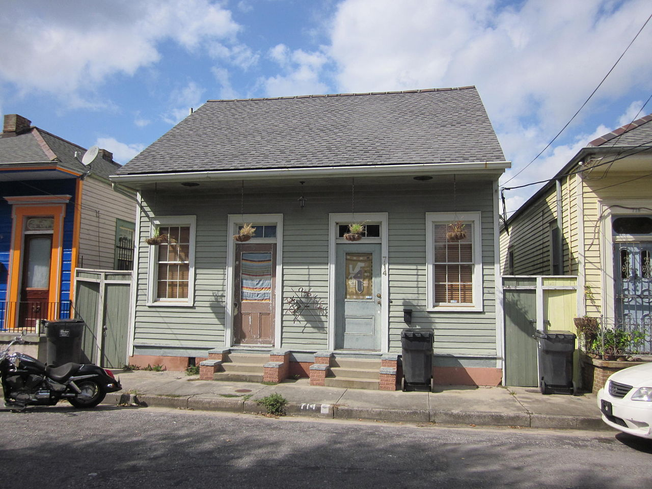 File piety bywater 700 block creole for Cajun cottages