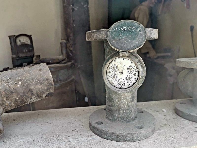 שעון מים ישן