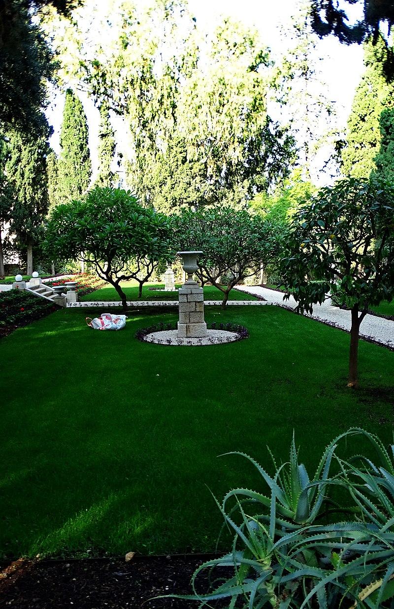 קבר מרי מקסוול בחיפה