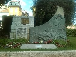 Memorial, Ville de Grasse; from file. Image: Triangle rouge.