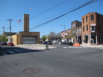 Point Breeze Avenue northern terminus.  Federal Street running west is in the foreground.  20th Street is on the left, Point Breeze Avenue on the right.  Philadelphia Fire Department Engine Company 24 visible at the corner with the Philadelphia Police Department 17th District office on the far left.