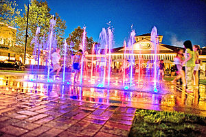 Easton Town Center - Image: Pop Fountains